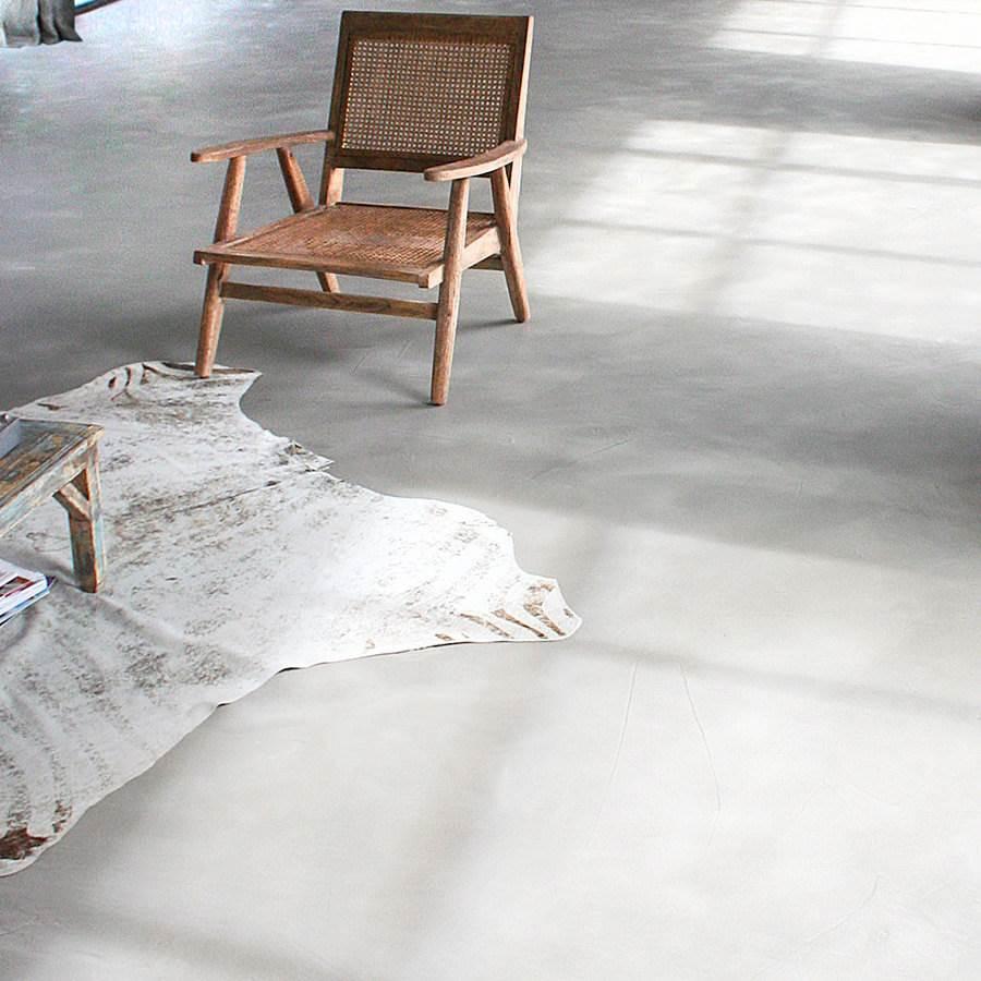 sol et escalier en b ton cir d coratif kit complet mercadier. Black Bedroom Furniture Sets. Home Design Ideas