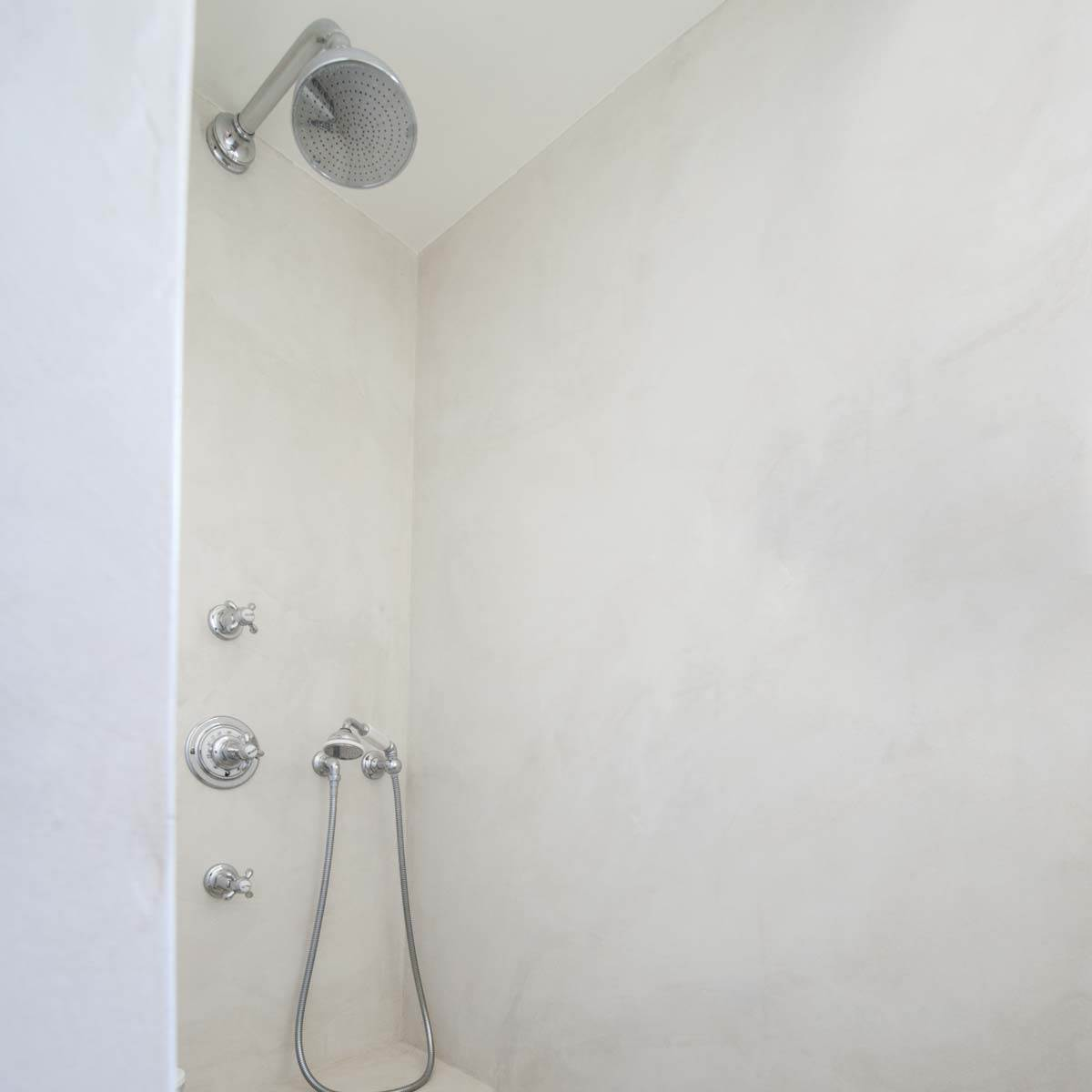 douche de salle de bains en b ton cir kit complet mercadier. Black Bedroom Furniture Sets. Home Design Ideas