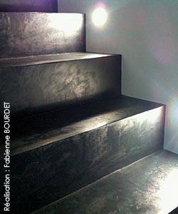 Projet d coration d 39 int rieur sols et escaliers b ton cir peintures for Peinture escalier beton